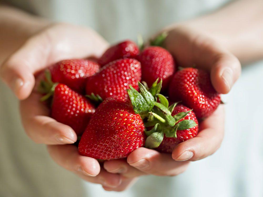 10 خاصیت شگفت انگیز توت فرنگی برای سلامتی
